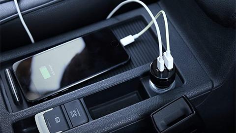 AUKEY PD 対応 USB カーチャージャー CC - Y7